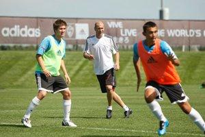 AVID Soccer News Zidane at ESP